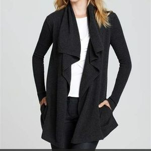 👠Theory Maritza black wool waterfall cardigan
